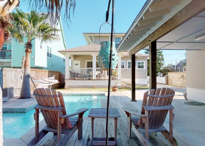 private pool port aranas