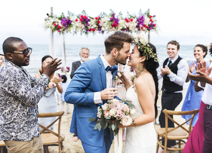 A couple get married on a beach in Port Aransas